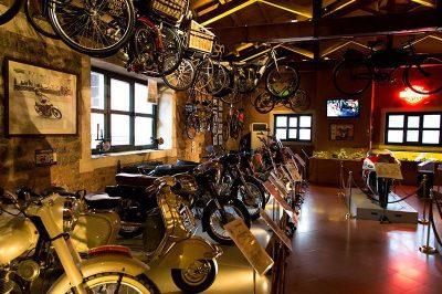 rahmi koc muzesi motorsiklet galerisi 400x266