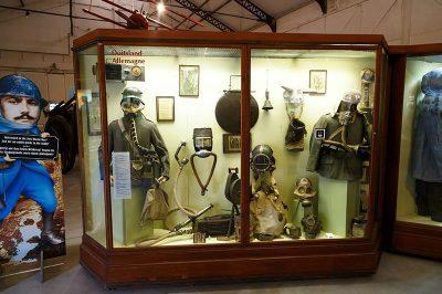 bruksel askeri tarih muzesi asker esyalari malzemeleri 400x266