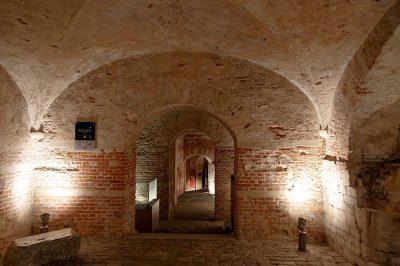 bruksel coudenberg arkeolojik site alani kapilari 400x266