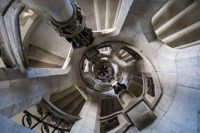 bruksel halle gate spiral merdiven 400x266