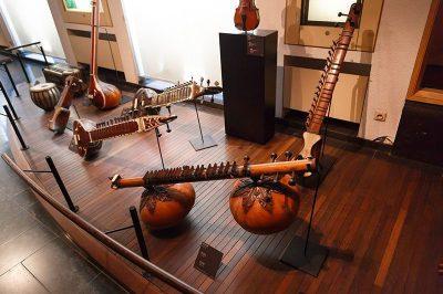 bruksel muzik aletleri muzesi nasil gidilir 400x266
