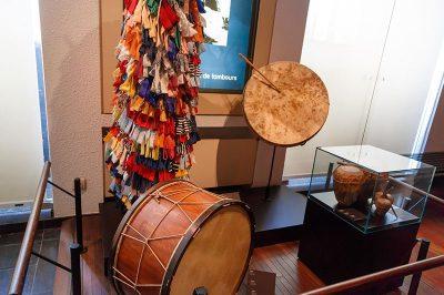 bruksel muzik enstrumanlari muzesi gezilecek yerler 400x266
