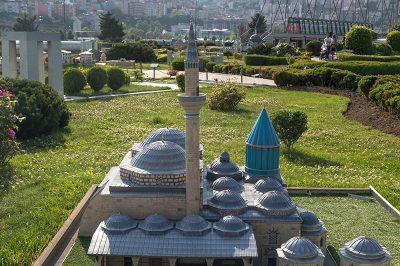 istanbul miniaturk mevlana muzesi 400x266