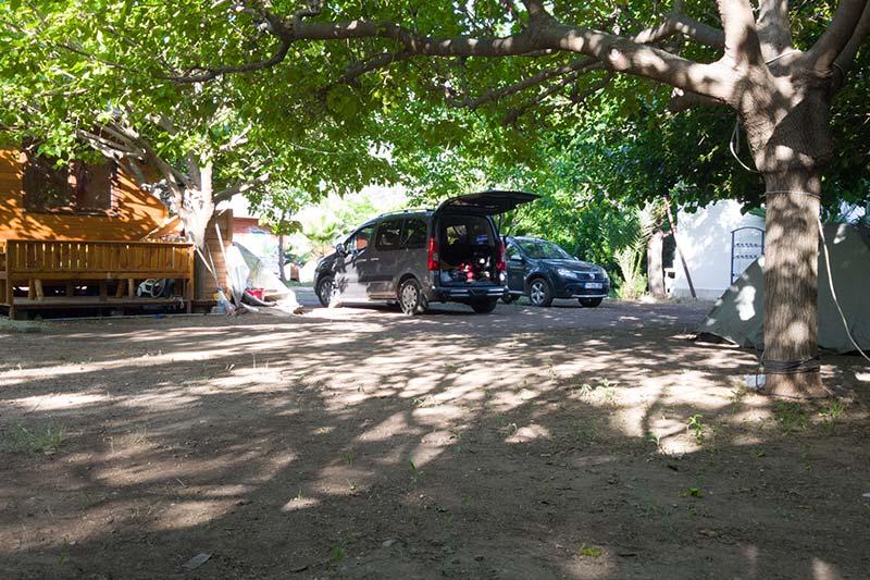 antalya kemer cirali market kamp alani
