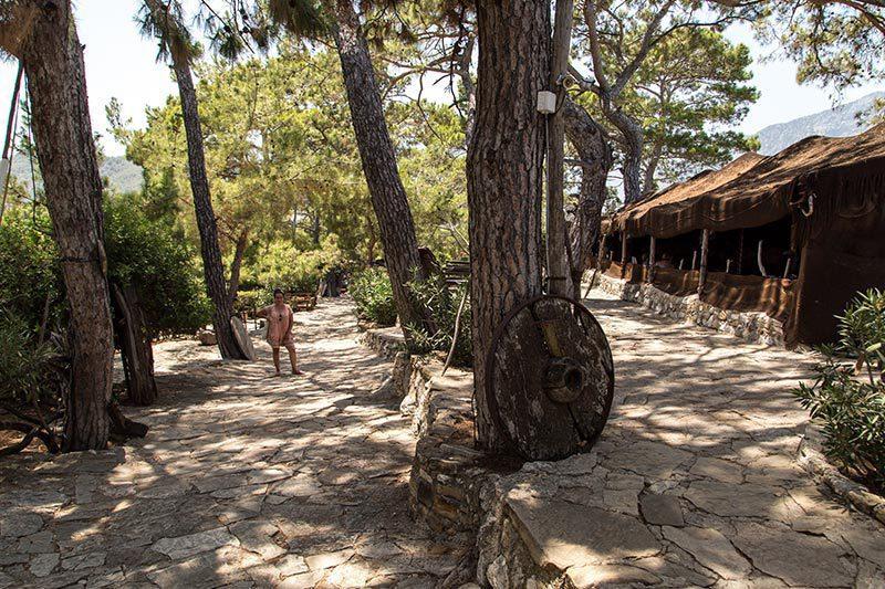 antalya kemer folklorik yoruk parki gezilecek yerler