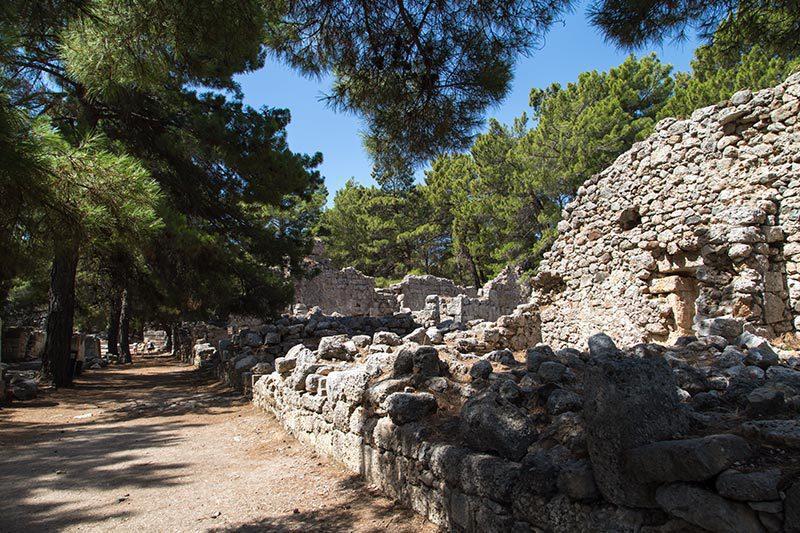 antalya phaselis antik kenti gezilecek yerler