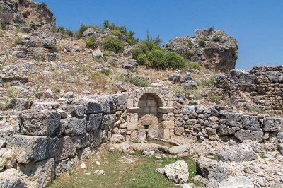 antalya serik sillyon antik kenti cesme 400x266
