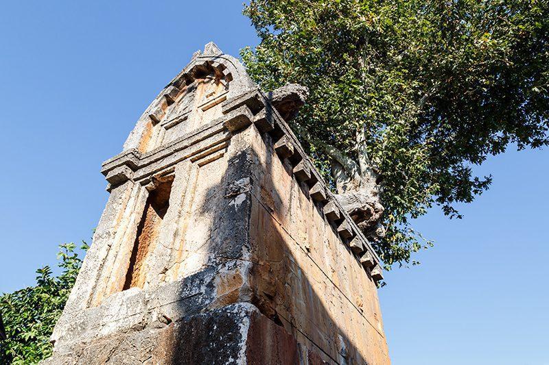antiphellos antik kenti kral kaya mezari