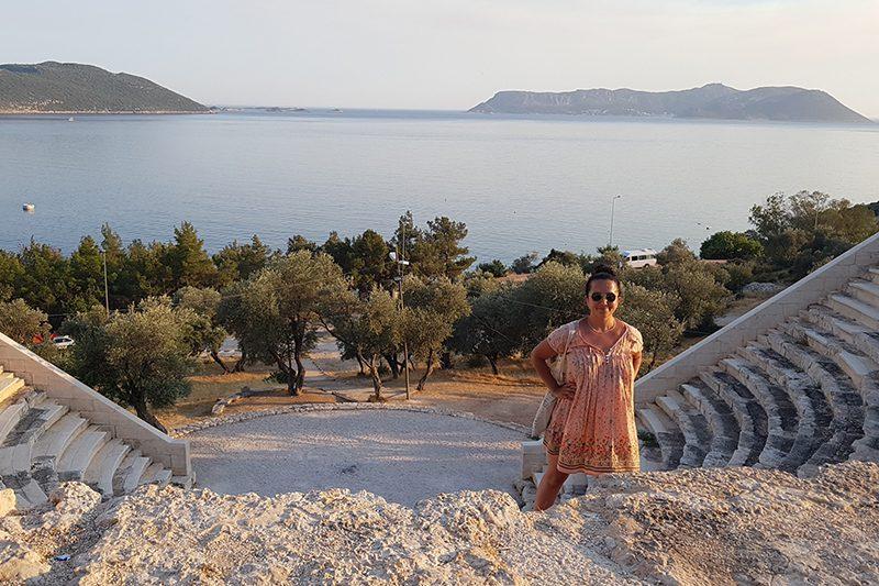antiphellos antik kenti tiyatrosu kalintilari