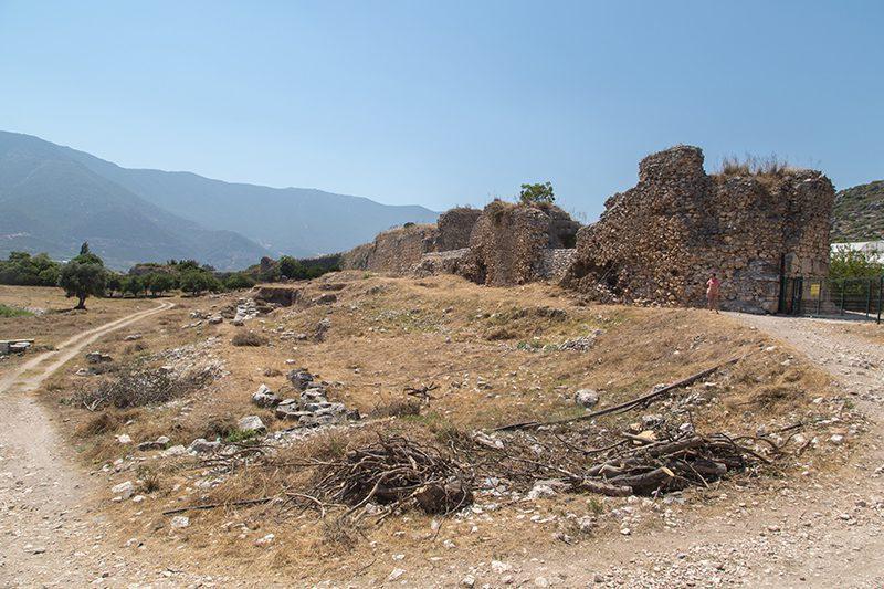 finike limyra antik kenti sur duvarlari