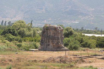 finike limyra antik kenti tarihi kent 400x266