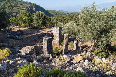 mugla pinara antik kenti agorasi 400x266