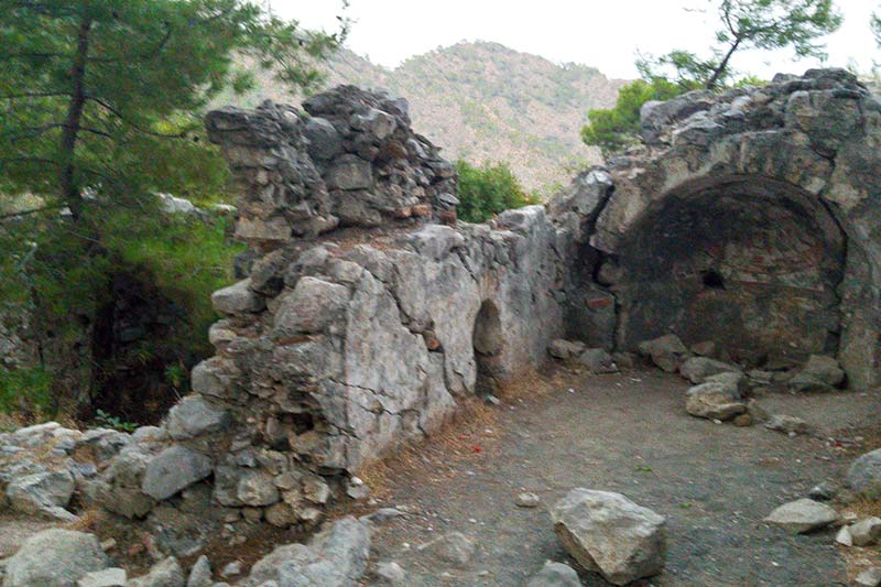 olimpos cirali yanartas bizans kilisesi