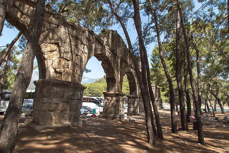 phaselis antik kenti su kemerleri