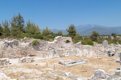 xanthos antik kenti bazilikasi 400x266