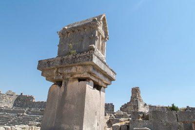xanthos antik kenti kral mezari 400x266
