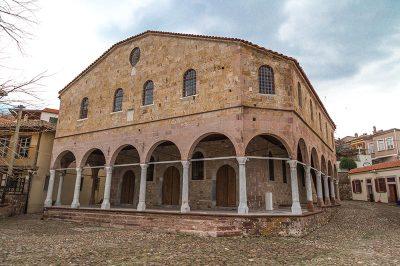 ayvalik taksiyarhis anit muzesi kilisesi 400x266