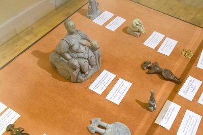 izmir konak kadin muzesi arkeolojik eserler 400x266