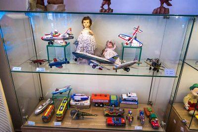 izmir oyuncak muzesi tarihi oyuncaklar 400x266