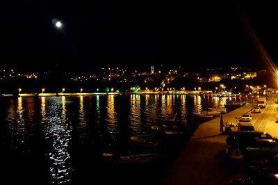 gerze limani gece goruntusu fotografi 400x266
