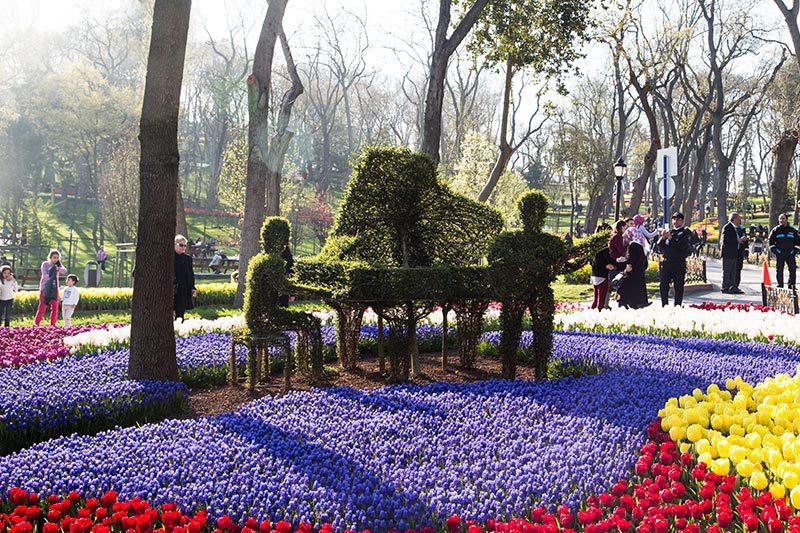 sariyer emirgan korusu piyano heykeli