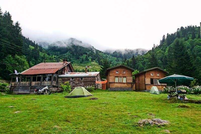 rize ayder camping ihlamurlar altinda bungalov evler