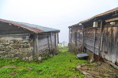 rize pokut yaylasi geleneksel mimari evleri 400x266
