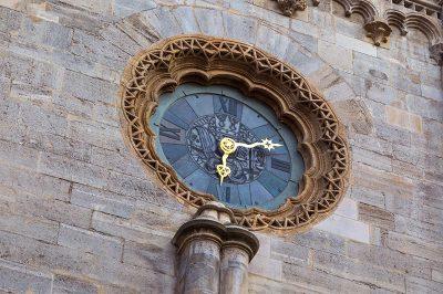 viyana aziz stephan katedrali saati 400x266