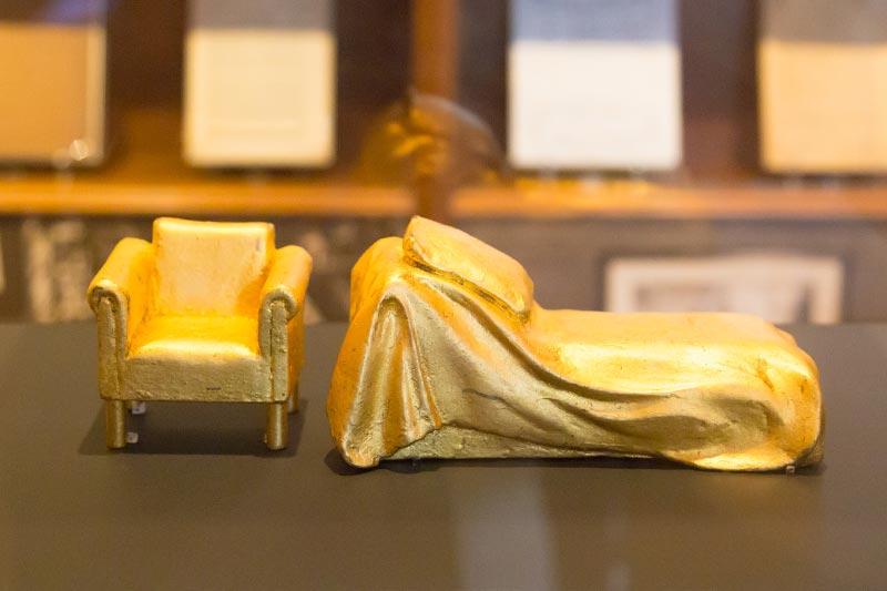 viyana sigmund freud muzesi koltugu yatagi maketi
