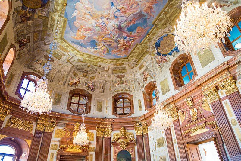 viyana belvedere sarayi duvar freskleri sanati
