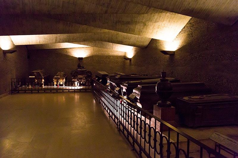 viyana imperial crypt kraliyet mezarligi odasi