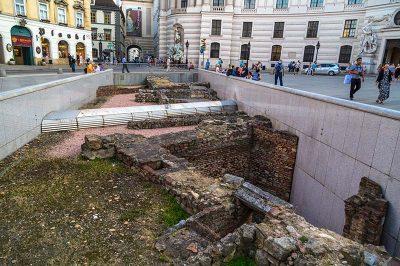 viyana michaelerplatz roma donemi arkeolojik kalintilar 400x266