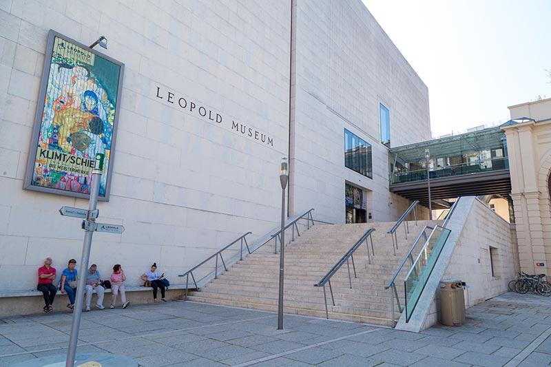 viyana museumsquartier leopold muzesi binasi