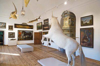 hellbrunn sarayi tablolari heykelleri 400x266