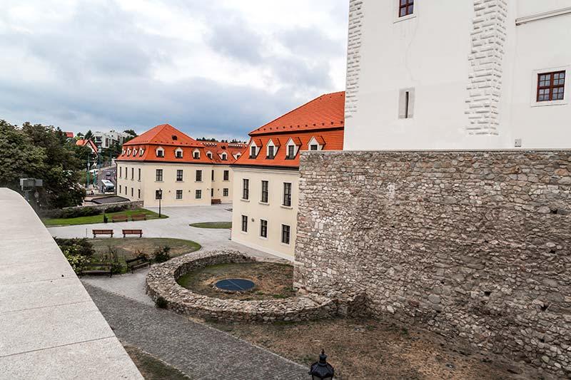bratislava kalesi mimari yapisi