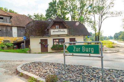 hochosterwitz kalesi kale yolu 400x266