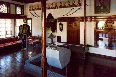 kutahya kossuth evi muzesi ani odasi 400x266