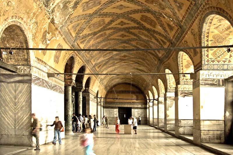 ayasofya muzesi ikinci kat koridoru