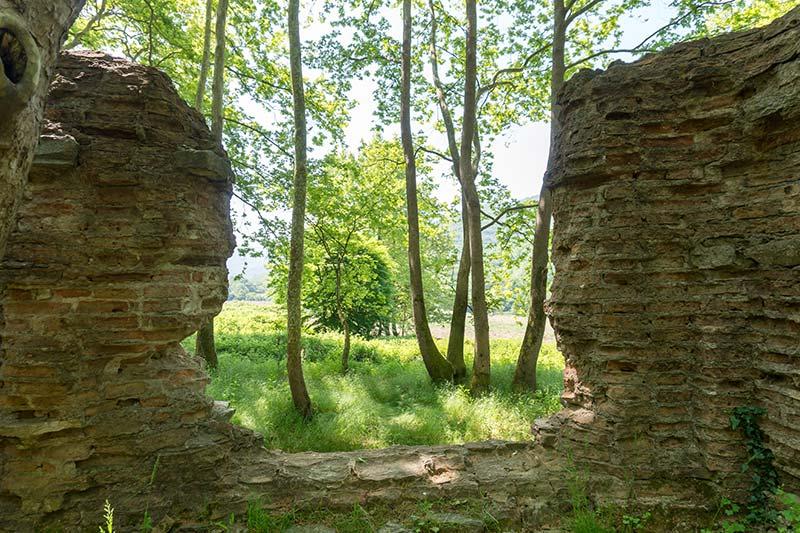 balikesir erdek kirazli manastiri duvarlari