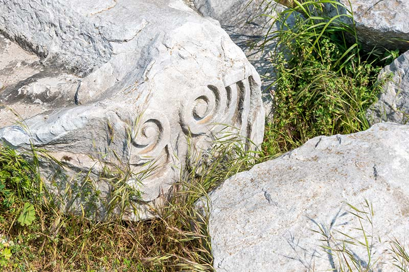 erdek kyzikos antik kenti sus kabartmalari