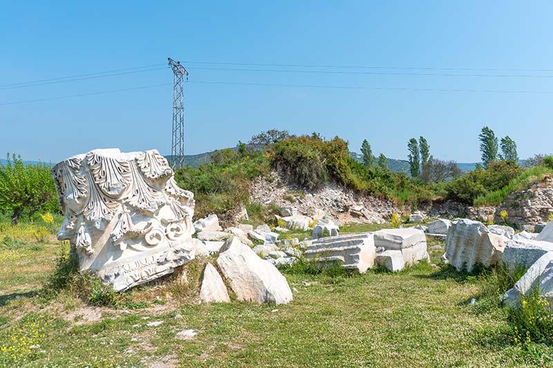 erdek kyzikos antik kenti sutunlari