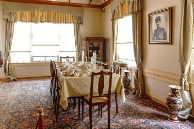 bursa ataturk evi yemek odasi 400x266