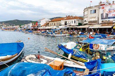 foca gezi rehberi sahil seridi tekneleri 400x266