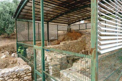 izmir metropolis antik kenti kazilari 400x266