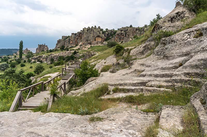 midas antik kenti bitmeyen anit manzarasi