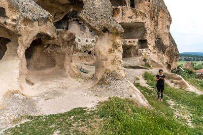 midas antik kenti kirkgoz kayaliklari 400x266