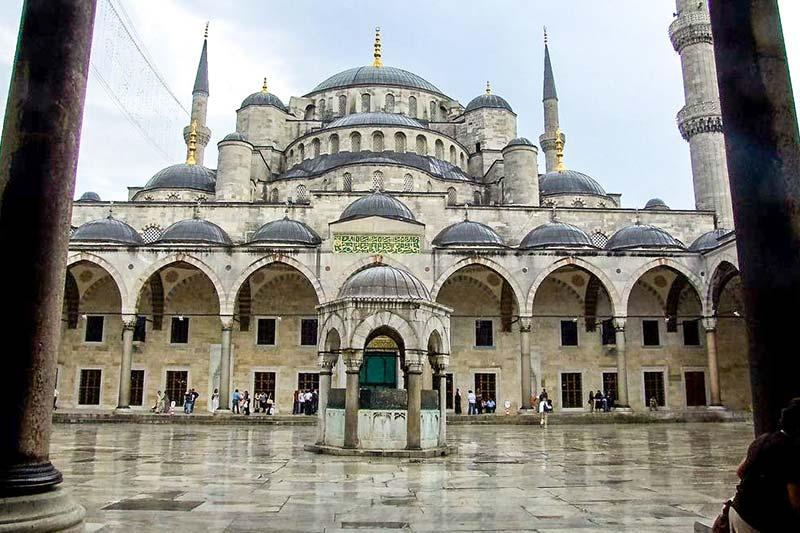 sultanahmet camii avlusu