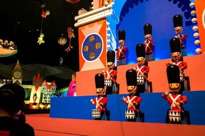 walt disney magic kingdom small world dunyadan 400x266